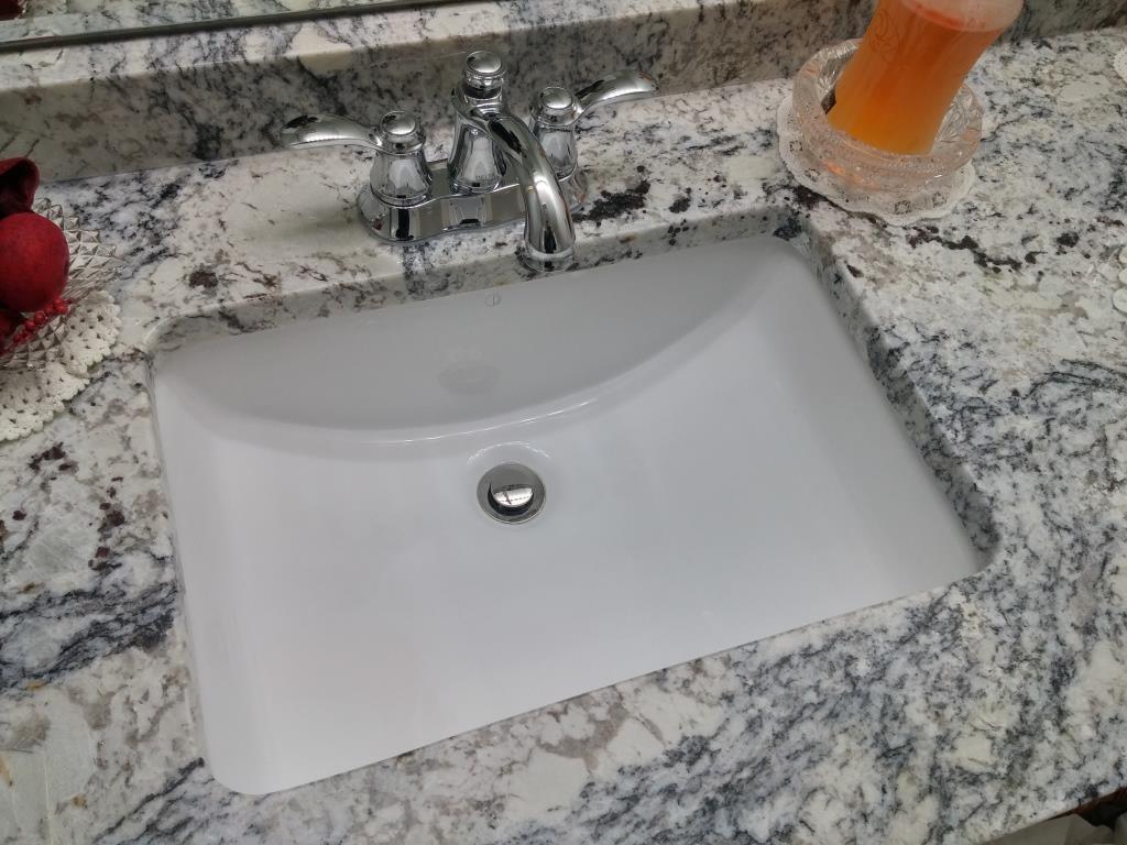 Ice White Granite Laminated Countertop for Bathroom Sink